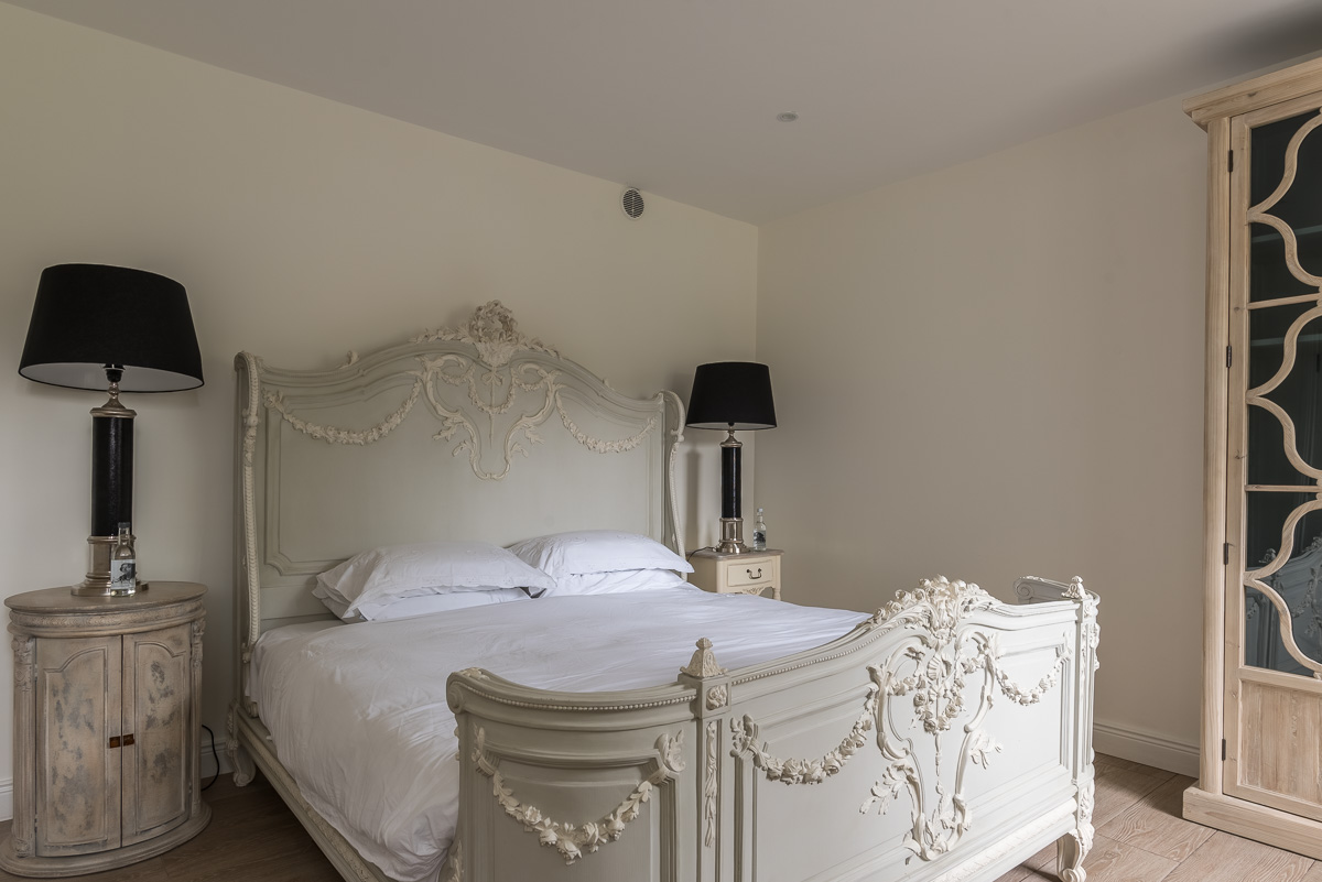 Luxury bed linen design interior design style
